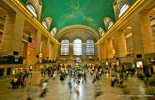 Main hall at Grand Central Terminal. Credit: New York Transit Museum