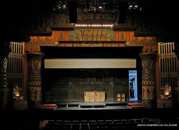 The theater's interior still features original 1920's-era artwork. Credit: Lol-ita, Flickr (http://www.flickr.com/photos/lol-ita/)