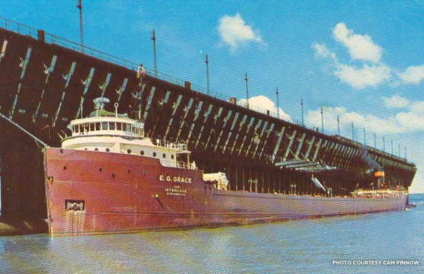 Great Lakes oreboat at dock in 1960. Credit: Cam Pinnow