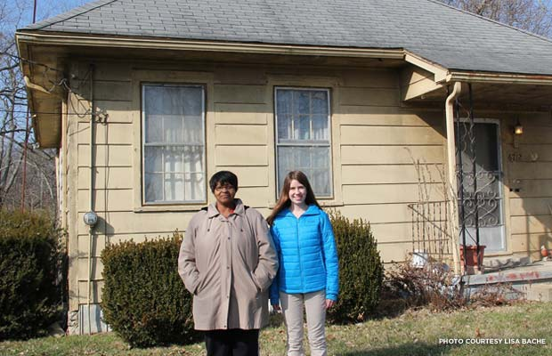 Julia Bache and homeowner Elaine Taylor in front of the Buck Creek School. Credit: Lisa Bache