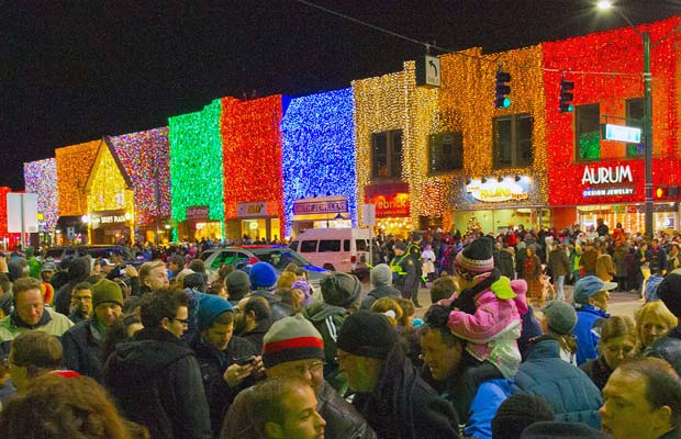 Downtown Rochester MI Big Bright Light Show.