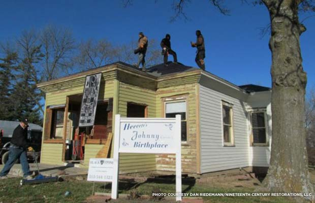 The Nineteenth Century Restorations crew works on the house. Credit: Dan Riedemann/Nineteenth Century Restorations, LLC