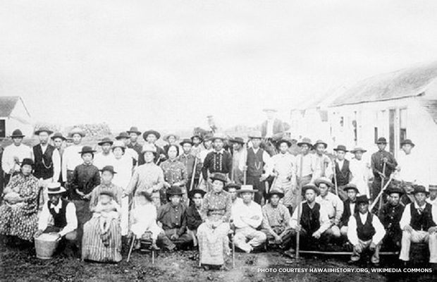 A group of Japanese immigrant labor in Hawaii. Credit: hawaiihistory.org