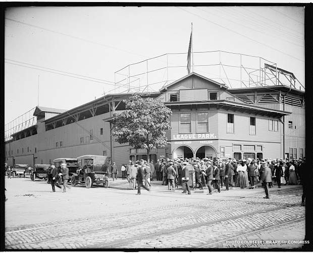 Outside League Park in Cleveland, between 1900-1910. Credit: Library of Congress