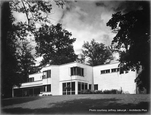 This International Style house was built in 1938 by Cincinnati architect John Becker for prominent insurance agent Frederick Rauh and his family. Credit: Jeffrey Jakucyk - Architects Plus