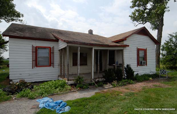 The Cash home in Dyess before Arkansas Sate acquired it in 2011. Credit: Beth Wiedower