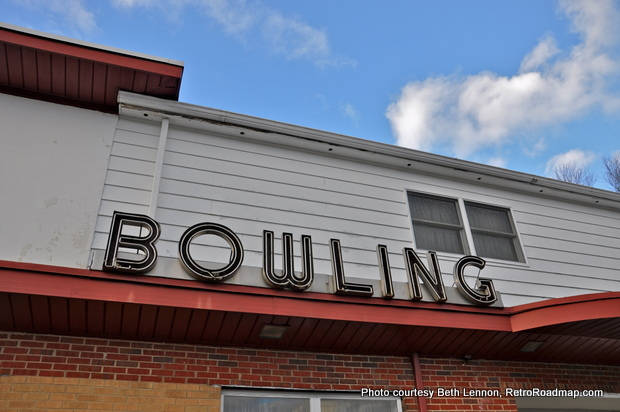 Papp's Bowling Center Bordentown NJ - Vintage Neon Sign Retro Roadmap