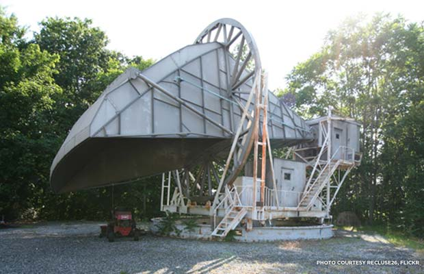 The remains of the radio antenna that helped Penzias and Wilson inadvertently discover the universe's background radiation. Credit: recluse26, Flickr