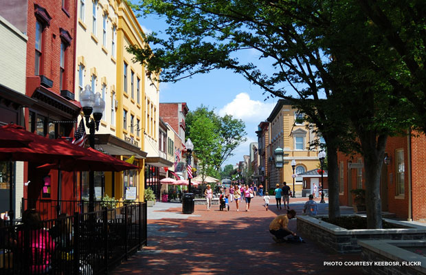 Old Town Winchester is home to the vibrant Loudoun Street Pedestrian Mall, which earned a place on the National Register of Historic Places Travel Itinerary for its combination of history, century-old buildings, museums, and a vibrant economy.