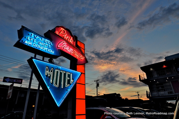 Wildwood Motels - Neon Sign - Night - Retro Roadmap