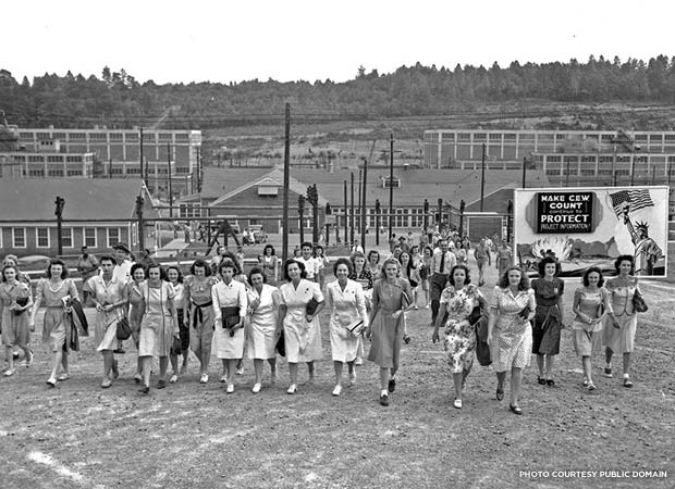 Shift change at the facility in Oak Ridge, Tennessee. Credit: American Museum of Science and Energy