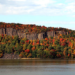A view of the New Jersey Palisades in Autumn