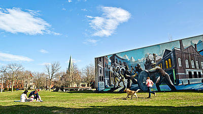 A mural on the Pullman Visitor Center depicts the town's history.