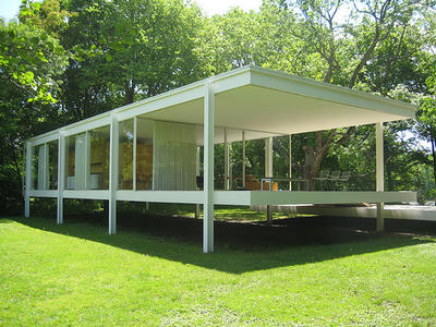 Exterior view of Farnsworth House