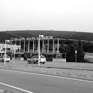 B&W of Worldport Terminal