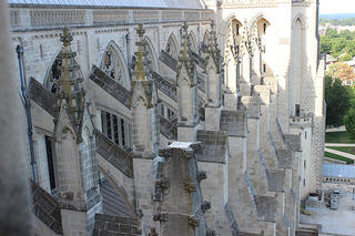 National Cathedral Repairs missing finial 2015