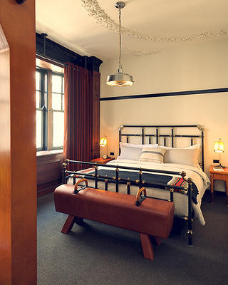 Chicago Athletic Association Guest Room