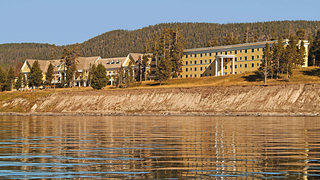 Lake Yellowstone Hotel Exterior (2)