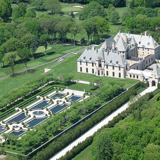 Overhead aerial shot of Oheka Castle.
