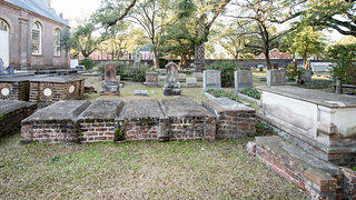 The cemetery at Prince George Winyah Episcopal Church.