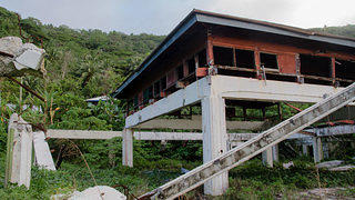 School building destroyed by tsunami in Poloa, American Samoa. Credit: Eli Keene.