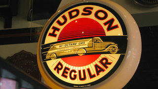 Hudson Regular Neon Sign