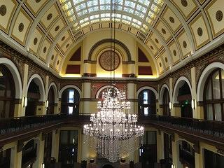 Union Station Hotel Nashville - barrel-vaulted ceiling and chandeleir