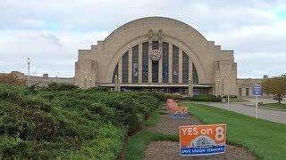 Yes On 8 Signs at Union Terminal