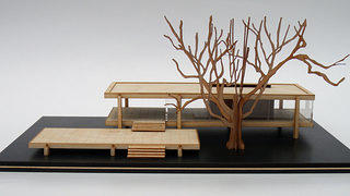 Front elevation view of the Farnsworth House model.