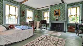 The bedroom of a Massachusetts Colonial.