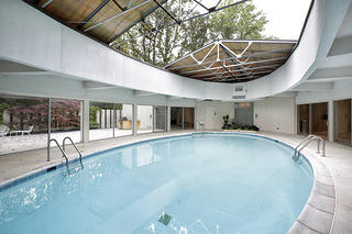 Mid-Century Modern Dream House Tour: George Keck, architect (interior pool)