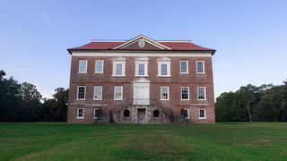 The main house at Drayton Hall.