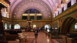 Lobby view of the St. Louis Union Station Hotel.