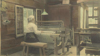Cammie Henry at her looms at Melrose Plantation.