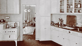 The kitchen of the House of Tomorrow in 1933.