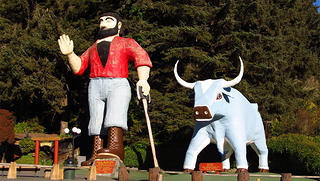 A statue of Paul Bunyan in Klamath, California.