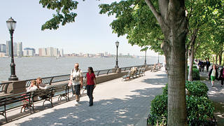 From the esplanade you can explore both the skyline from the Hudson River or the various parks inside Battery Park City.