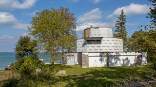 The House of Tomorrow overlooks Lake Michigan.