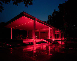 Geometry of Light 2019 - exterior of Farnsworth House