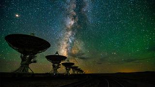 The Very Large Array at night.