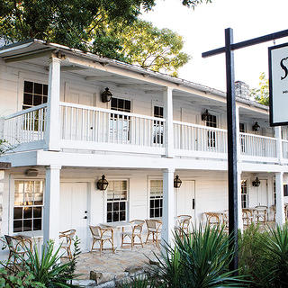Exterior of Stagecoach Inn